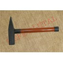Akgün metal saplı çekiç (2 kg)